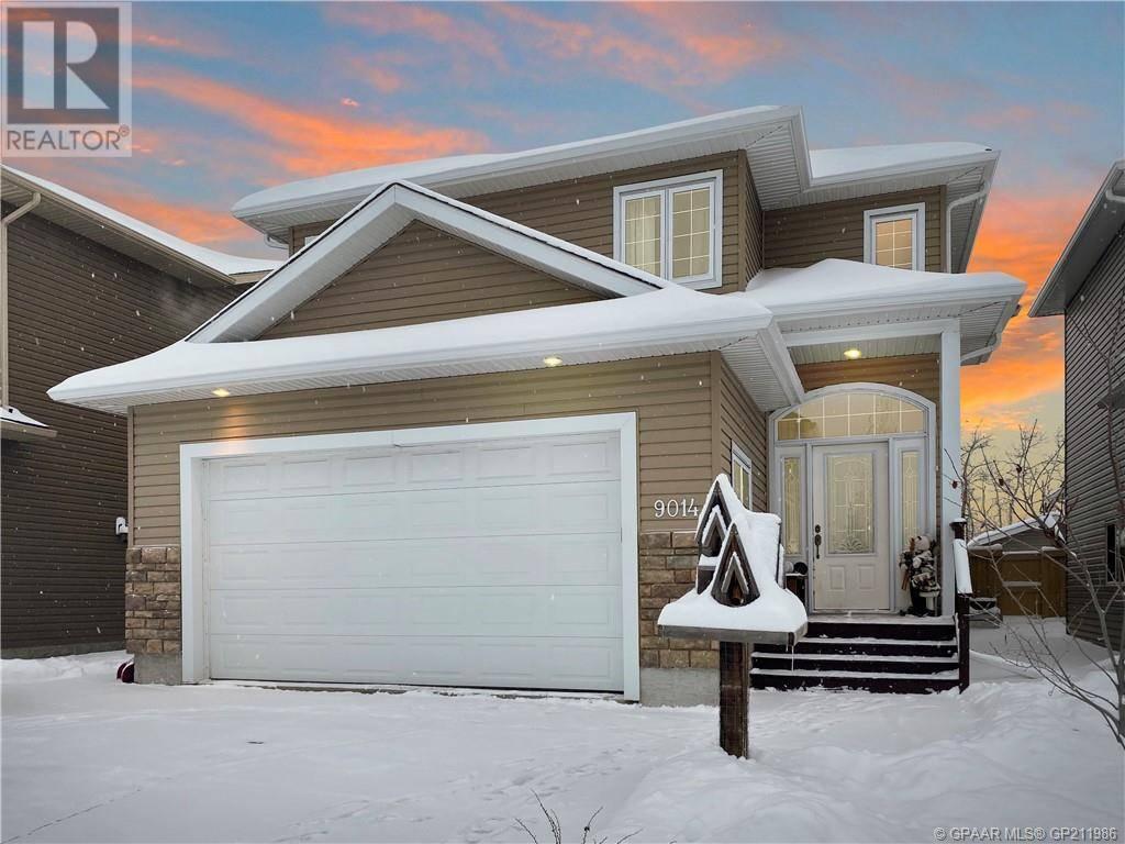 House for sale at 9014 75 Ave Grande Prairie Alberta - MLS: GP211986