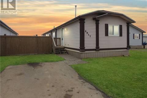 House for sale at 9017 90 Ave Grande Prairie Alberta - MLS: GP204923