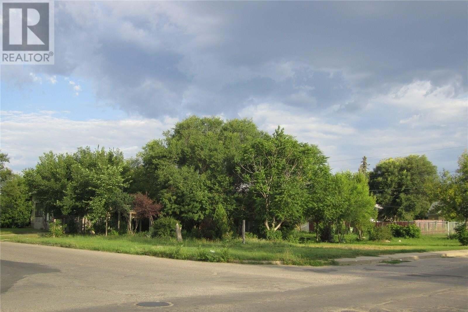 Home for sale at 902 13th St W Prince Albert Saskatchewan - MLS: SK821924