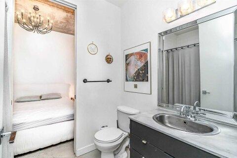 Apartment for rent at 23 Brant St Unit 902 Toronto Ontario - MLS: C5056068