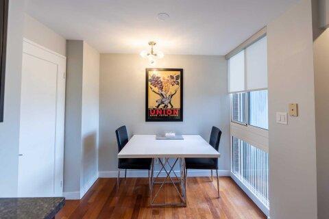 Condo for sale at 278 Bloor St Unit 902 Toronto Ontario - MLS: C5060889