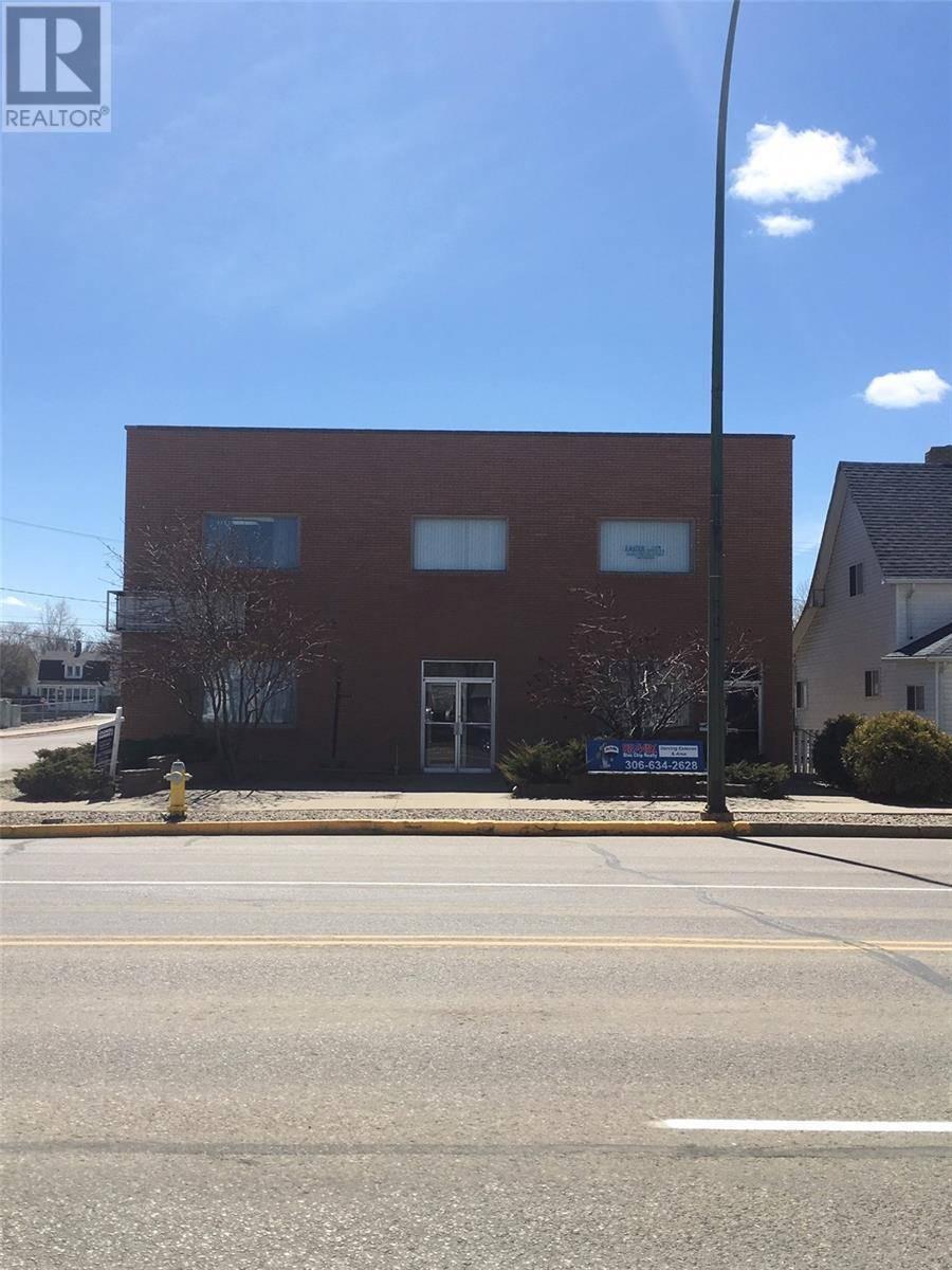 Commercial property for sale at 902 4th St Estevan Saskatchewan - MLS: SK771056