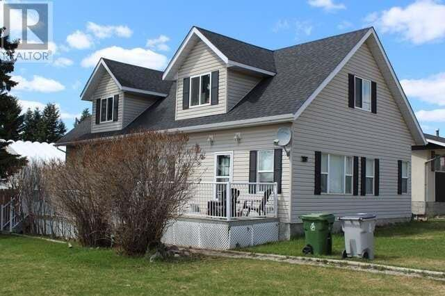 House for sale at 902 51 St Edson Alberta - MLS: 52425