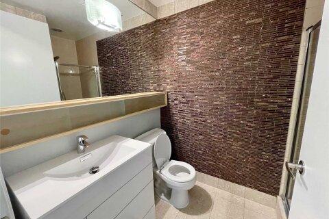 Apartment for rent at 85 Bloor St Unit 902 Toronto Ontario - MLS: C5086789