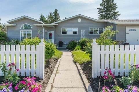House for sale at 902 9 St Southwest High River Alberta - MLS: C4287878