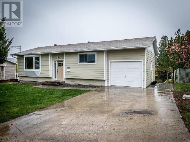 House for sale at 902 Klahanie Dr Kamloops British Columbia - MLS: 154030