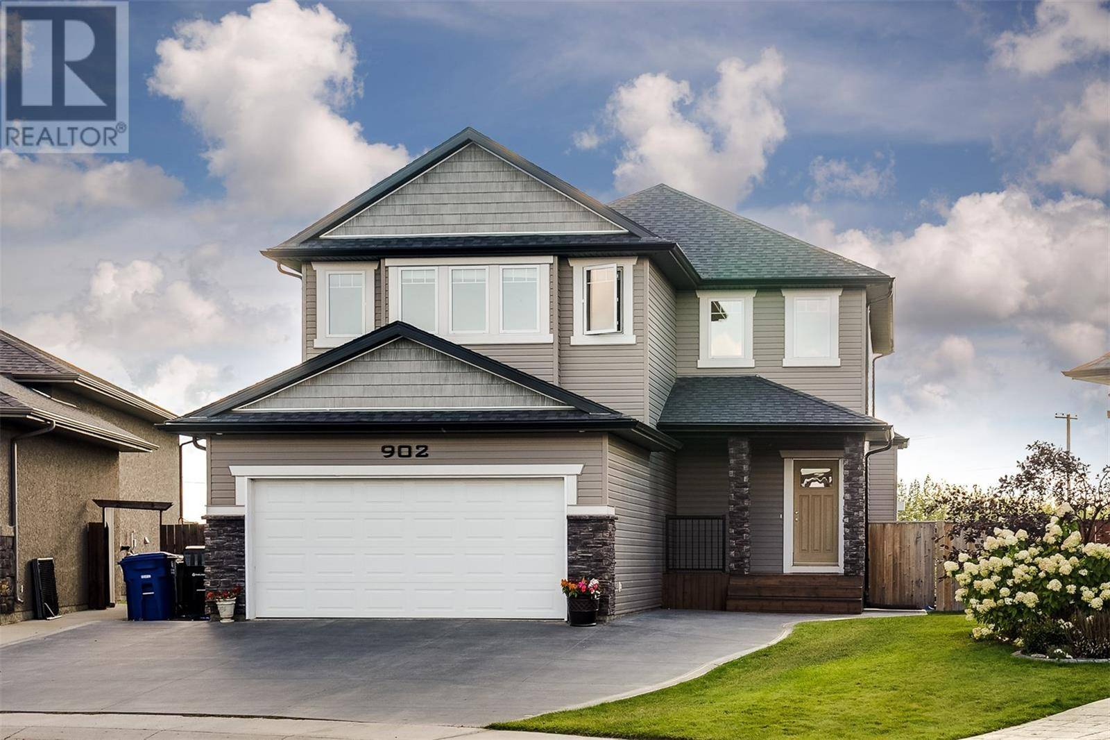 902 Wilkins Court, Saskatoon | Image 2