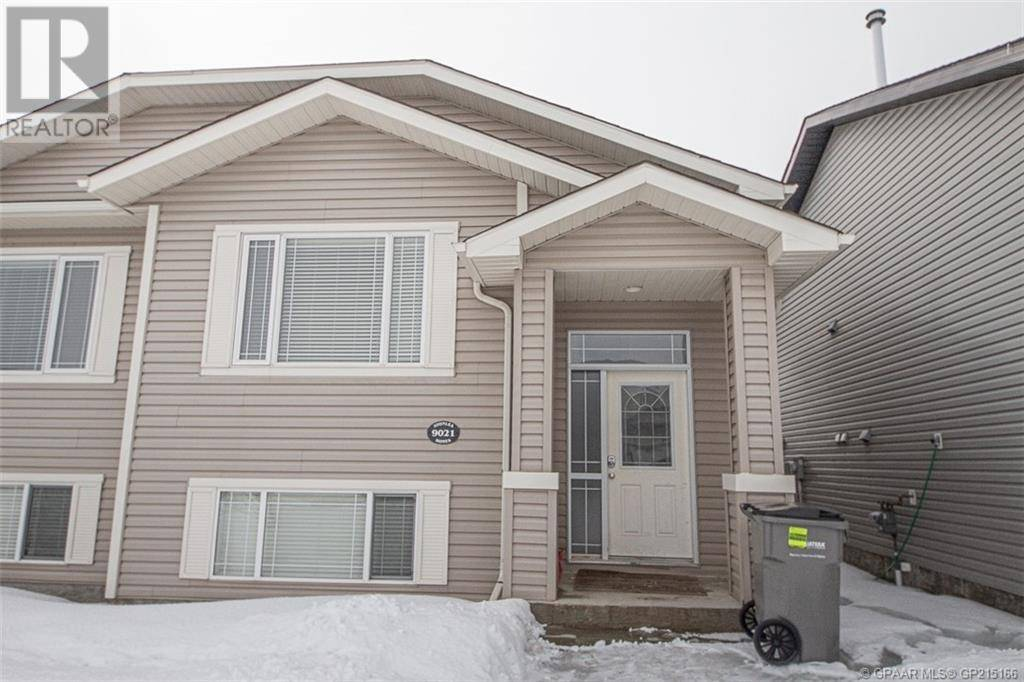 House for sale at 9021 131 Ave Grande Prairie Alberta - MLS: GP215166