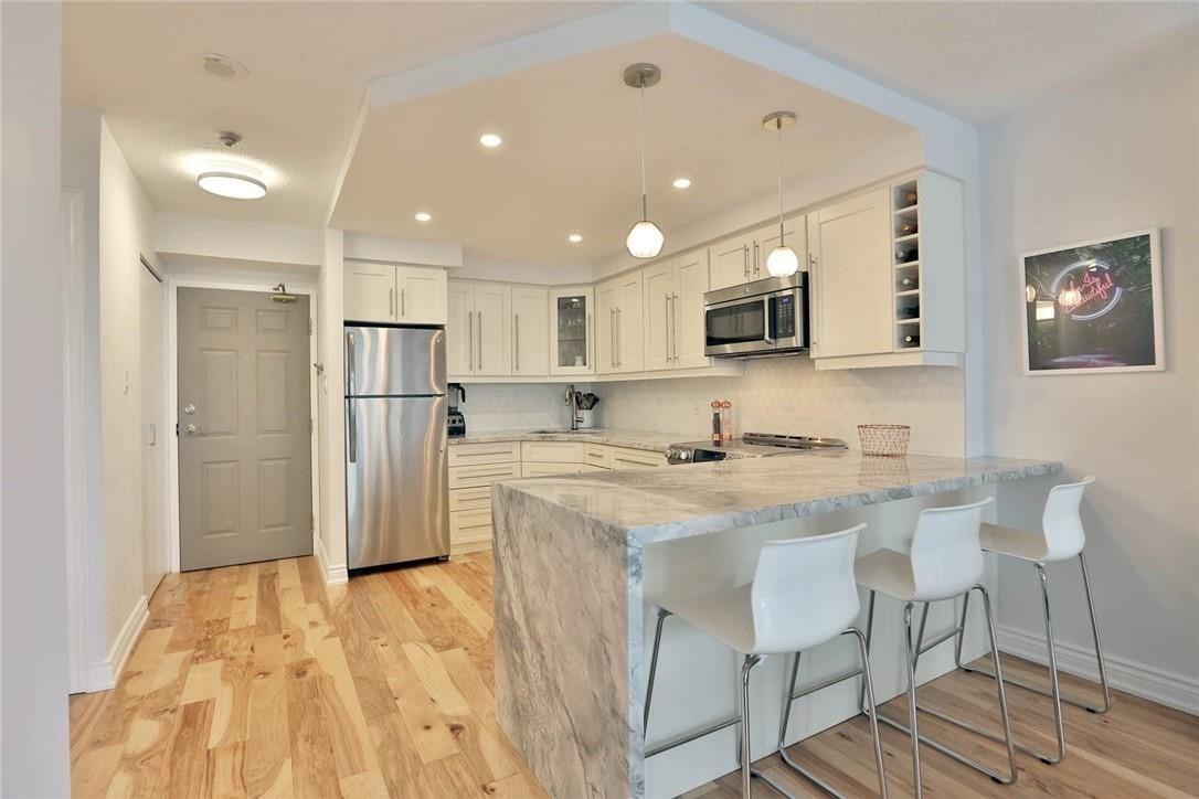 Apartment for rent at 1270 Maple Crossing Blvd Unit 903 Burlington Ontario - MLS: H4089843