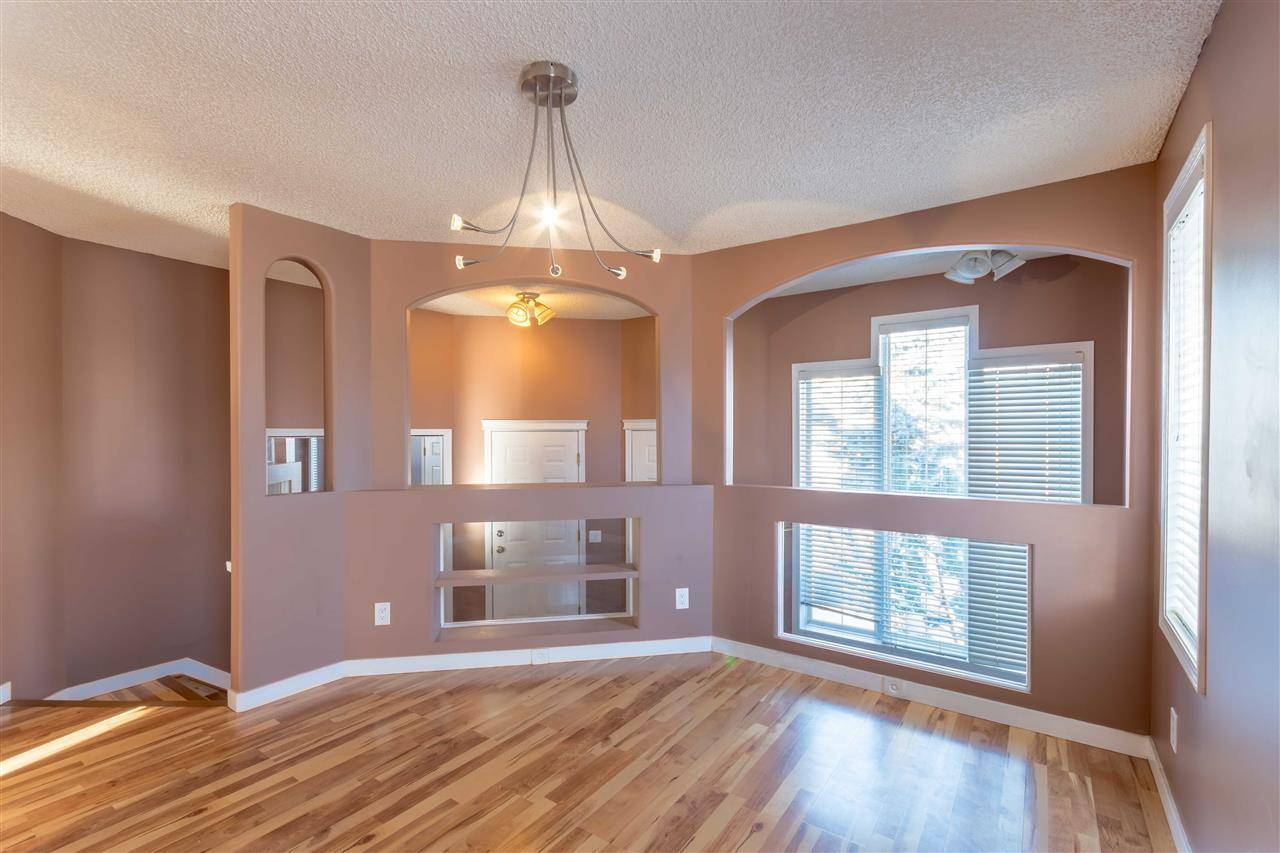 House for sale at 903 Breckenridge Ct Nw Edmonton Alberta - MLS: E4174386