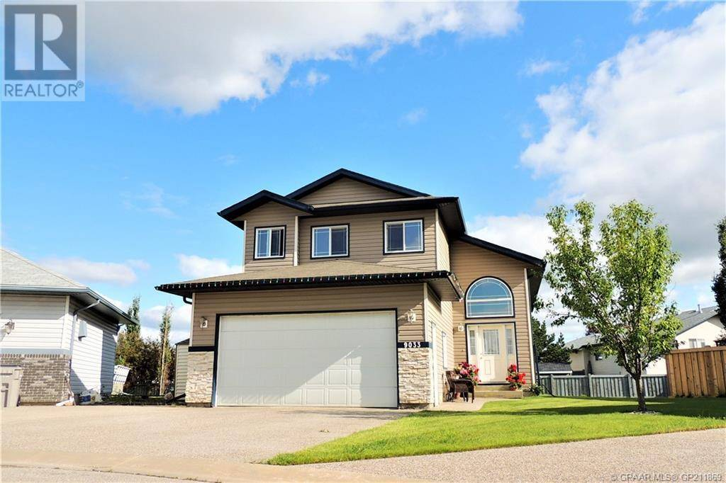 House for sale at 9033 129 Ave Grande Prairie Alberta - MLS: GP211869
