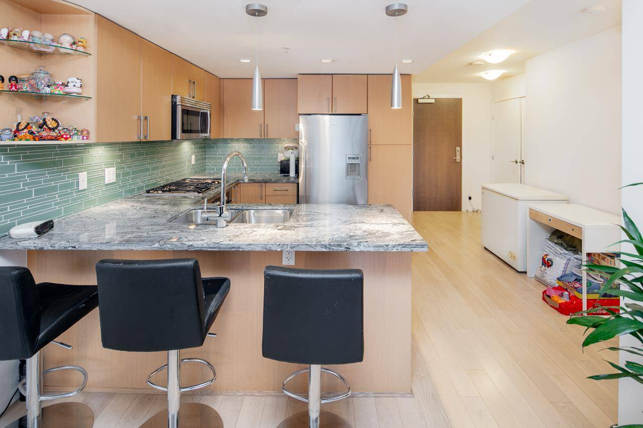 904 1887 Crowe Street Vancouver For Sale 899 000