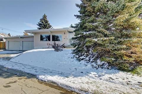 904 Middleton Drive Northeast, Calgary | Image 2