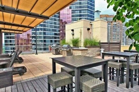 Apartment for rent at 11 St Joseph St Unit 905 Toronto Ontario - MLS: C5085066