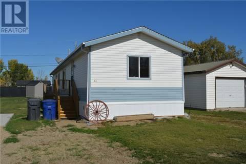 Home for sale at 905 1st St S Hanley Saskatchewan - MLS: SK787344