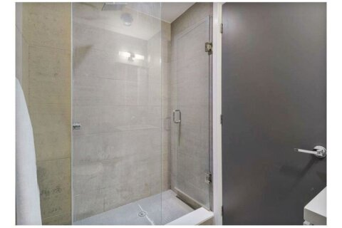 Condo for sale at 224 King St Unit 905 Toronto Ontario - MLS: C4968090