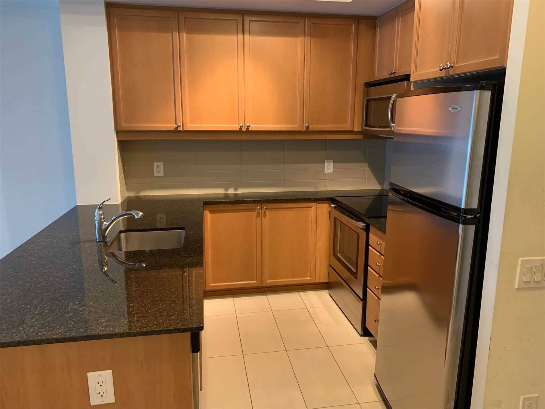 Apartment for rent at 560 Front St Unit 905 Toronto Ontario - MLS: C4700930