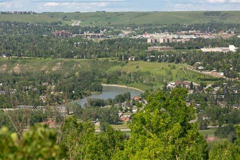 Townhouse for sale at 905 Patterson Vw Southwest Calgary Alberta - MLS: C4255442