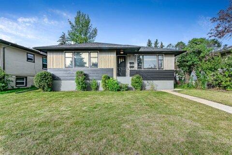 House for sale at 905 Regal Cres NE Calgary Alberta - MLS: A1034790