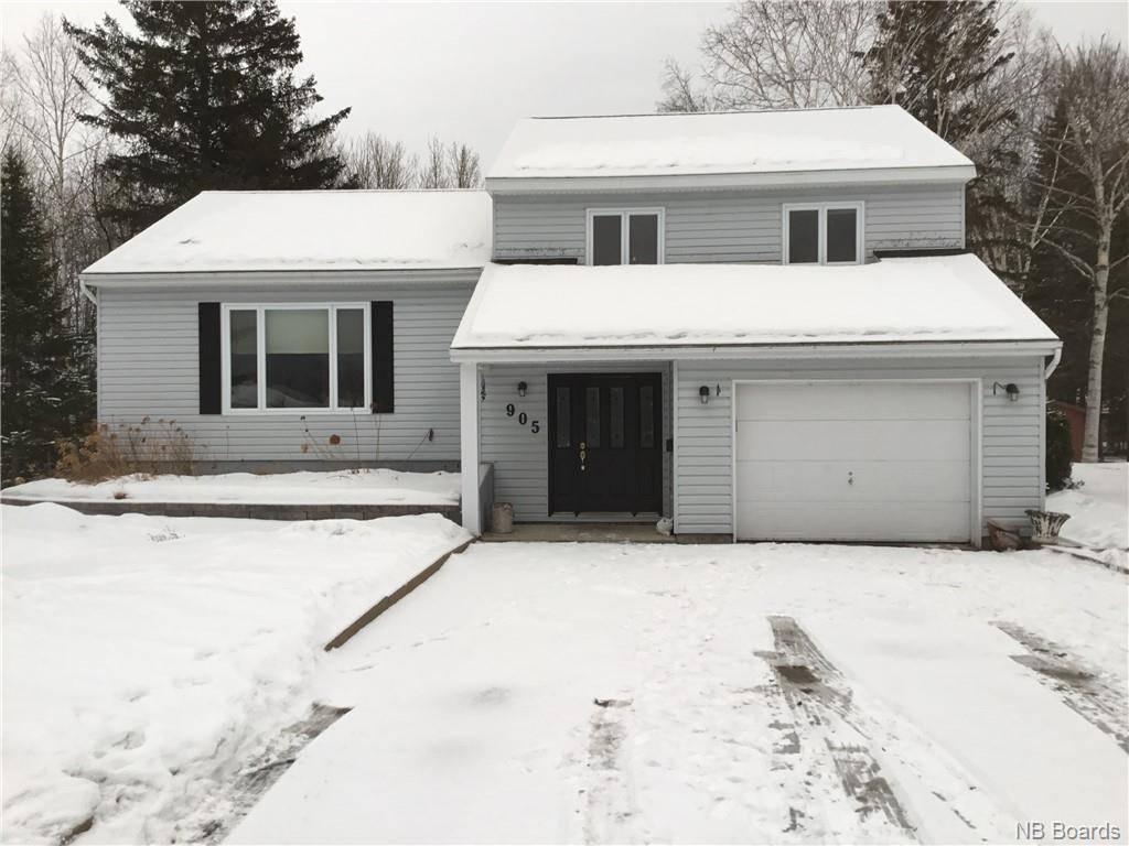 House for sale at 905 Tamarack  Bathurst New Brunswick - MLS: NB038611