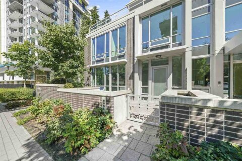 Townhouse for sale at 9056 University Cres Burnaby British Columbia - MLS: R2519379