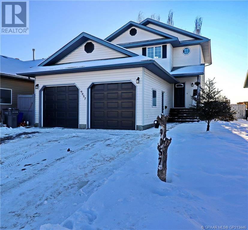 House for sale at 9057 60a Ave Grande Prairie Alberta - MLS: GP213446