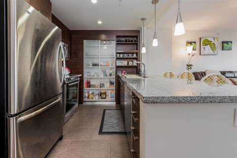 Condo for sale at 2959 Glen Dr Unit 906 Coquitlam British Columbia - MLS: R2412511