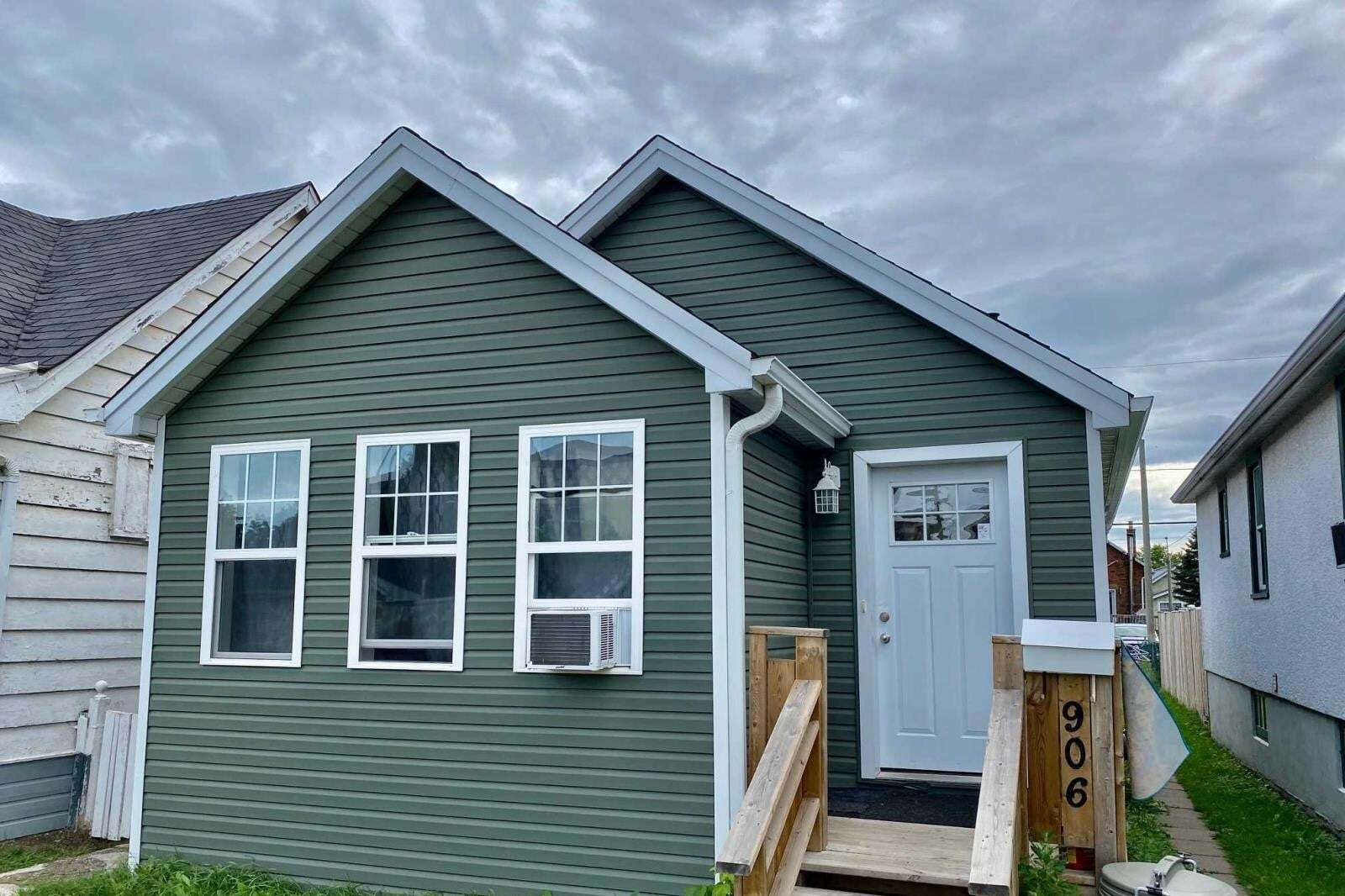 House for sale at 906 Alexandra St Thunder Bay Ontario - MLS: TB201793