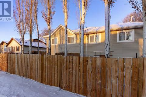Townhouse for sale at 906 Gray Ave Saskatoon Saskatchewan - MLS: SK796720