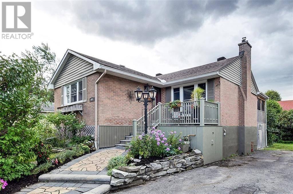 906 Mountainview Avenue, Ottawa | Image 1