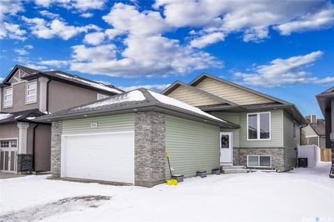 House for sale at 906 Werschner Cres Saskatoon Saskatchewan - MLS: SK803046