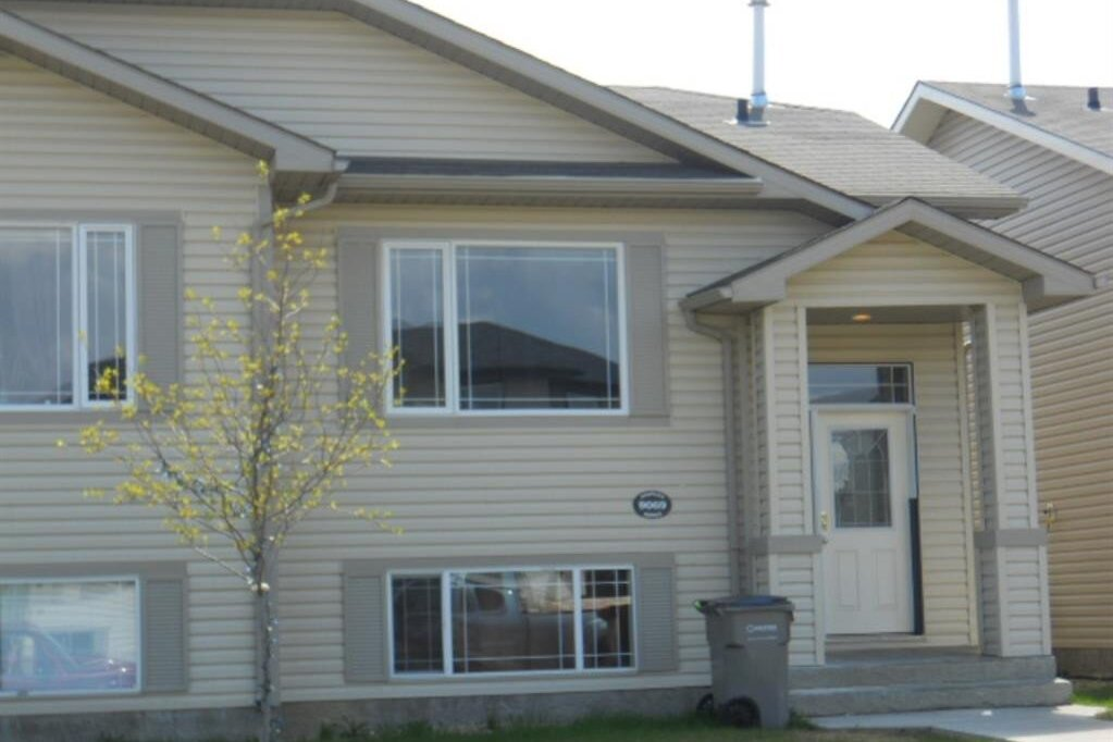 Townhouse for sale at 9069 131 Ave Grande Prairie Alberta - MLS: A1007568