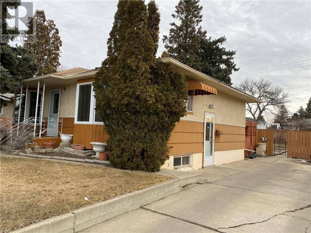 House for sale at 907 18 St N Lethbridge Alberta - MLS: ld0189715