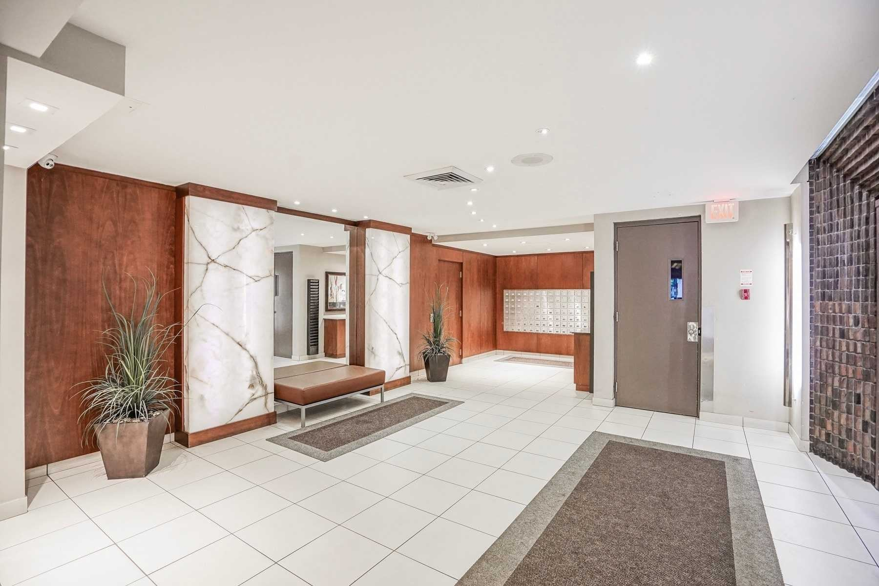 Buliding: 720 Spadina Avenue, Toronto, ON