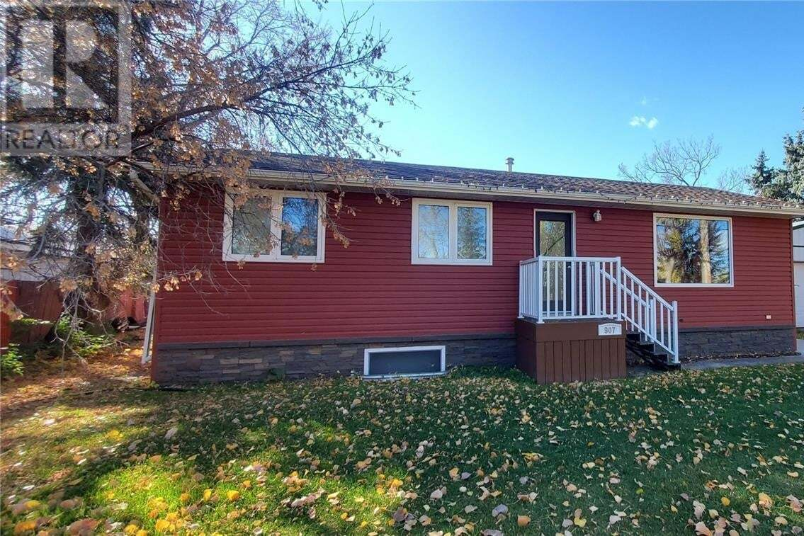 House for sale at 907 Front St Grenfell Saskatchewan - MLS: SK830948