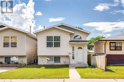 House for sale at 907 K Ave N Saskatoon Saskatchewan - MLS: SK778051