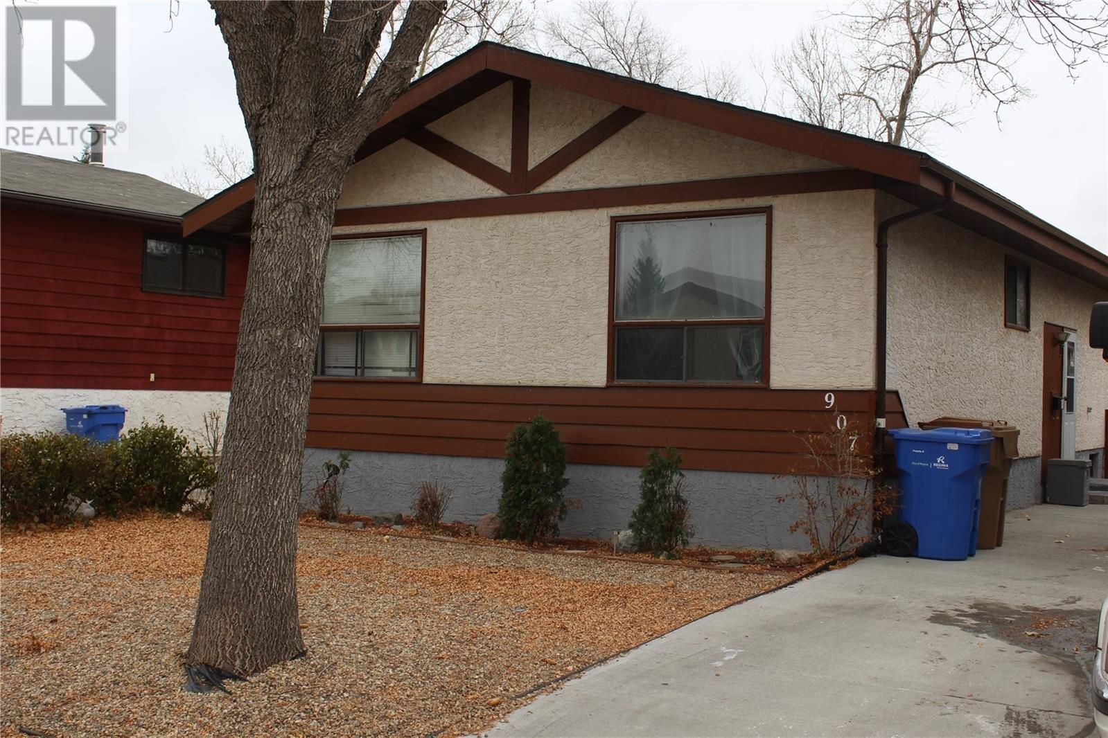 House for sale at 907 Stanley Cres N Regina Saskatchewan - MLS: SK831310