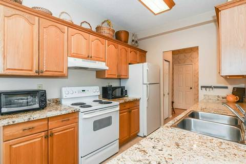 Condo for sale at 23 Woodlawn Rd Unit 908 Guelph Ontario - MLS: X4662558