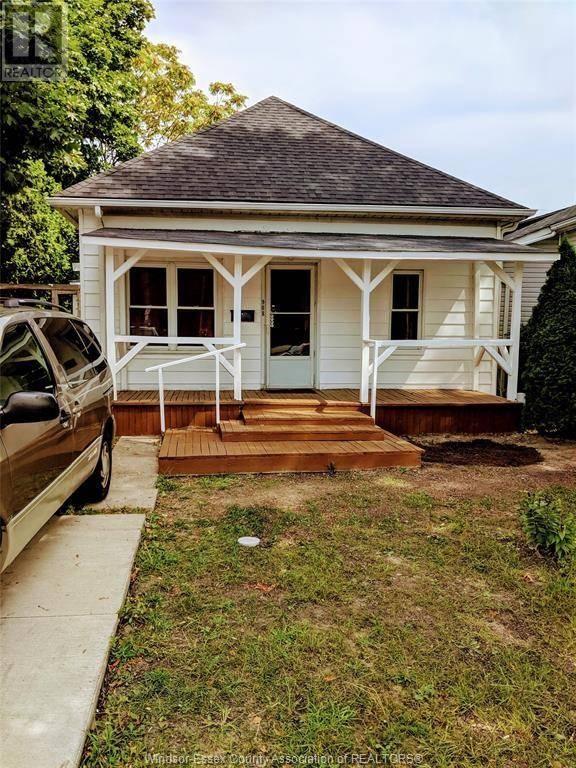House for sale at 908 Windsor  Windsor Ontario - MLS: 19027192