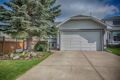 House for sale at 9086 Scurfield Dr Northwest Calgary Alberta - MLS: C4257547