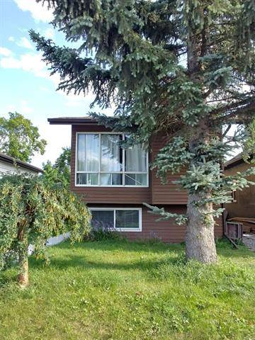 House for sale at 909 20 Ave Northwest Calgary Alberta - MLS: C4261895