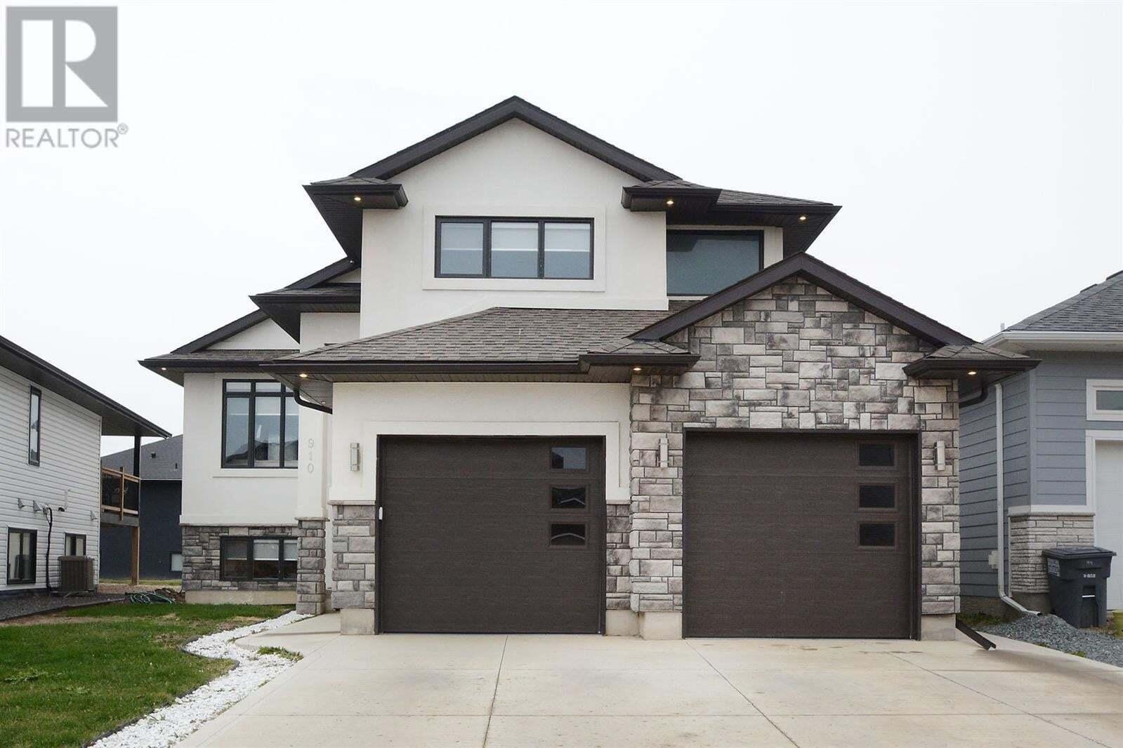 House for sale at 910 Kloppenburg Cres Saskatoon Saskatchewan - MLS: SK809506