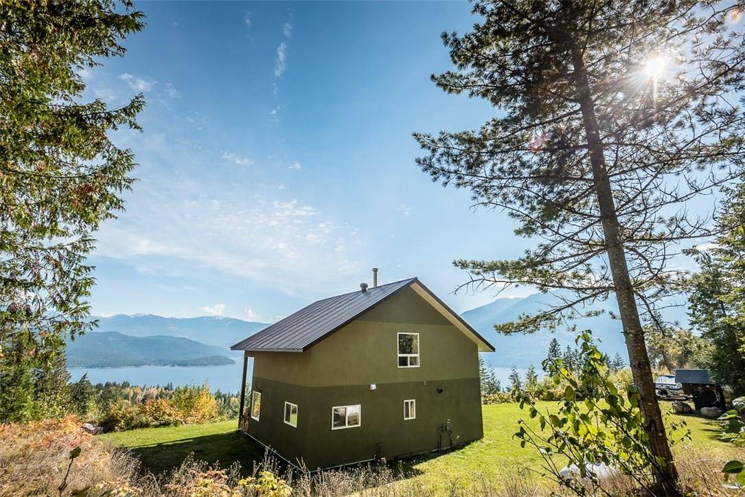 House for sale at 9101 Fisher Ave Balfour British Columbia - MLS: 2437708