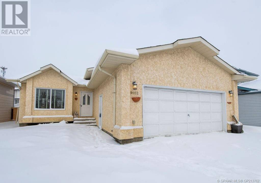 House for sale at 9102 105 Ave Grande Prairie Alberta - MLS: GP213762