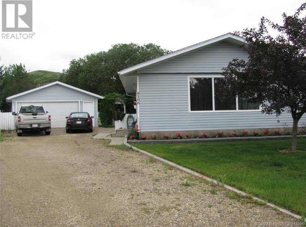 House for sale at 9106 128 Ave Peace River Alberta - MLS: GP214096