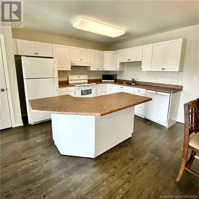 Condo for sale at 9111 104 Avenue Court Grande Prairie Alberta - MLS: GP215313