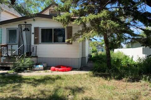 House for sale at 912 Garnet St Regina Saskatchewan - MLS: SK803641