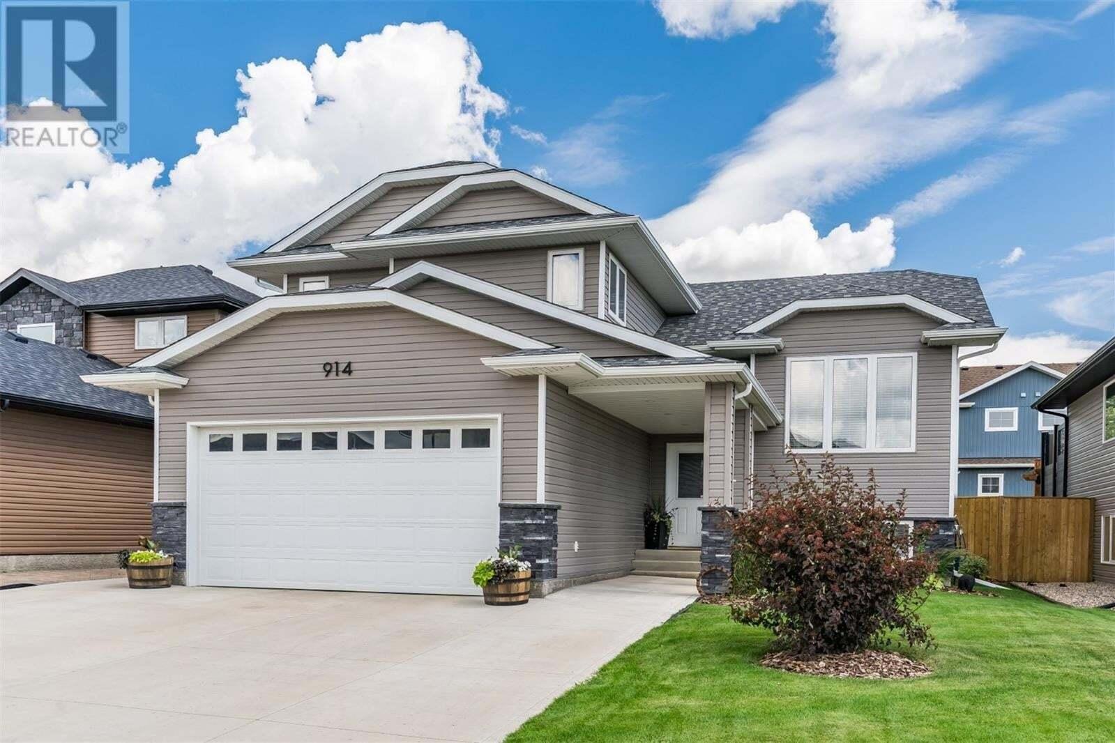 House for sale at 914 Sauer Cres Saskatoon Saskatchewan - MLS: SK817694