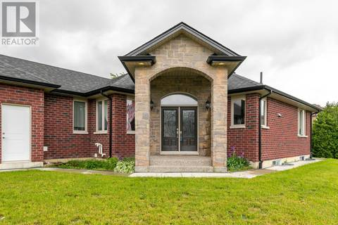 House for sale at 915 Banwell Rd Windsor Ontario - MLS: 19019856