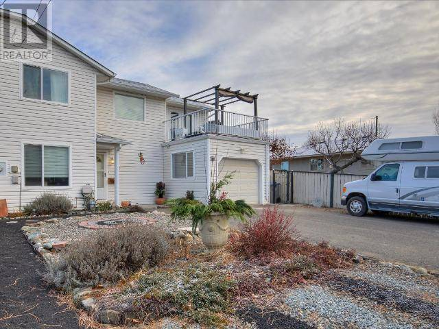 Townhouse for sale at 915 Desmond Pl Kamloops British Columbia - MLS: 154540